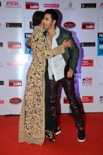 Gauhar Khan, Varun Dhawan at HT Mumbai_s Most Stylish Awards 2015 in Mumbai on 26th March 2015(1946)_5515409552ad3.JPG