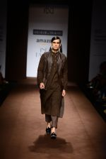 Model walk the ramp for Abraham Thakore on day 2 of Amazon India Fashion Week on 26th March 2015 (108)_551527fa7b610.JPG