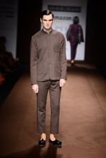 Model walk the ramp for Abraham Thakore on day 2 of Amazon India Fashion Week on 26th March 2015 (62)_55152752833f4.JPG