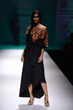 Model walk the ramp for Malini Ramani on day 2 of Amazon India Fashion Week on 26th March 2015 (212)_55152d6a78d0b.JPG
