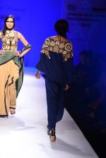 Model walk the ramp for Malini Ramani on day 2 of Amazon India Fashion Week on 26th March 2015 (318)_55152e216e36a.JPG