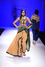 Model walk the ramp for Malini Ramani on day 2 of Amazon India Fashion Week on 26th March 2015 (320)_55152e2668ece.JPG