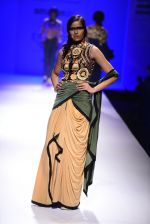 Model walk the ramp for Malini Ramani on day 2 of Amazon India Fashion Week on 26th March 2015 (323)_55152e2ccf877.JPG