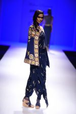 Model walk the ramp for Malini Ramani on day 2 of Amazon India Fashion Week on 26th March 2015 (344)_55152e5bdedd9.JPG