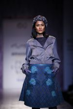 Model walk the ramp for Pallavi Mohan on day 2 of Amazon India Fashion Week on 26th March 2015 (35)_551526e898a41.JPG