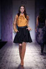 Model walk the ramp for Pallavi Mohan on day 2 of Amazon India Fashion Week on 26th March 2015 (80)_5515275157c51.JPG