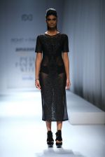 Model walk the ramp for Rohit & Rahul Gandhi on day 2 of Amazon India Fashion Week on 26th March 2015 (141)_55152e325116f.JPG