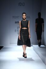 Model walk the ramp for Rohit & Rahul Gandhi on day 2 of Amazon India Fashion Week on 26th March 2015 (142)_55152e33b4456.JPG