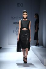 Model walk the ramp for Rohit & Rahul Gandhi on day 2 of Amazon India Fashion Week on 26th March 2015 (145)_55152e3889fd7.JPG