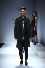 Model walk the ramp for Rohit & Rahul Gandhi on day 2 of Amazon India Fashion Week on 26th March 2015 (155)_55152e4e5ce55.JPG