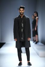 Model walk the ramp for Rohit & Rahul Gandhi on day 2 of Amazon India Fashion Week on 26th March 2015 (158)_55152e57740a8.JPG