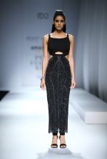 Model walk the ramp for Rohit & Rahul Gandhi on day 2 of Amazon India Fashion Week on 26th March 2015 (180)_55152e7f91332.JPG