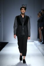 Model walk the ramp for Rohit & Rahul Gandhi on day 2 of Amazon India Fashion Week on 26th March 2015 (192)_55152e9179705.JPG