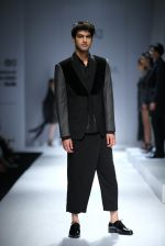 Model walk the ramp for Rohit & Rahul Gandhi on day 2 of Amazon India Fashion Week on 26th March 2015 (196)_55152e9642860.JPG