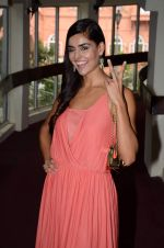Nathalia Kaur at SPJ Sadhana School for a noble cause on 26th March 2015 (84)_55152cdf78ec0.JPG