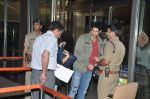 Sidharth Malhotra snapped with his parents in Mumbai Airport on 26th March 2015 (11)_55152d71d2164.JPG