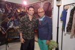 Sushant Singh Rajput unveils Byomkesh Bakshy line at AIFW on 26th March 2015 (1)_55152f17d4ced.JPG