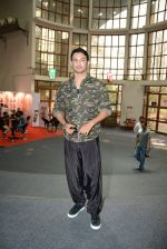 Sushant Singh Rajput unveils Byomkesh Bakshy line at AIFW on 26th March 2015 (11)_55152f2589402.JPG