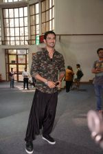 Sushant Singh Rajput unveils Byomkesh Bakshy line at AIFW on 26th March 2015 (29)_55152f4253eef.JPG