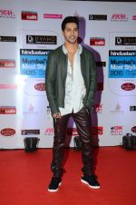Varun Dhawan at HT Mumbai_s Most Stylish Awards 2015 in Mumbai on 26th March 2015(1583)_5515409cd2617.JPG
