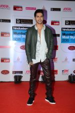 Varun Dhawan at HT Mumbai_s Most Stylish Awards 2015 in Mumbai on 26th March 2015(1588)_551540a4805cc.JPG