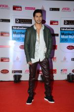 Varun Dhawan at HT Mumbai_s Most Stylish Awards 2015 in Mumbai on 26th March 2015(1590)_551540a6ca7f0.JPG
