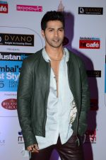 Varun Dhawan at HT Mumbai_s Most Stylish Awards 2015 in Mumbai on 26th March 2015(1593)_551540ab98215.JPG