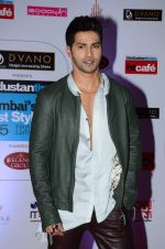 Varun Dhawan at HT Mumbai_s Most Stylish Awards 2015 in Mumbai on 26th March 2015(1594)_551540acbb90b.JPG