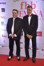 Abu Jani, Sandeep Khosla at Femina Miss India finals red carpet in Yashraj Studios on 28th March 2015 (78)_55180ac02265f.JPG