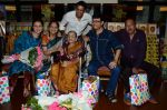 Sachin Pilgaonkar, Tinnu Anand, Sarita Joshi, Anup Soni, Juhi Babbar at Susheela Pathak_s Great Grandma_s Kitchen Secret Book Launch in Mumbai on 29th March 2015 (49)_551915cf7a696.JPG