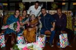 Sachin Pilgaonkar, Tinnu Anand, Sarita Joshi, Anup Soni, Juhi Babbar at Susheela Pathak_s Great Grandma_s Kitchen Secret Book Launch in Mumbai on 29th March 2015 (55)_551915d378067.JPG