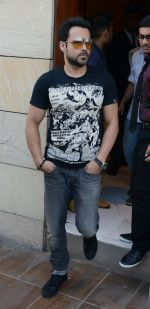Emraan Hashmi promote the Flim  Mr. X  at Holiday Inn, Mayur Vihar in New Delhi on 4th April 2015 (20)_55212213dc5c9.jpg