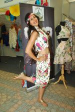 Teejay Sidhu at Amy Billimoria_s collection at Beach Princess on 5th April 2015 (79)_552258d8aac40.JPG