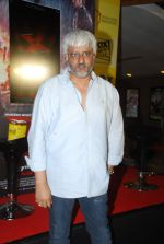 Vikram Bhatt at MR X promotions in Malad, Mumbai on 6th April 2015 (39)_55239b8216e52.JPG
