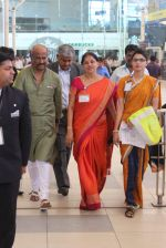 Rajnikant snapped at Airport on 7th April 2015 (2)_5524f1cc4022b.JPG