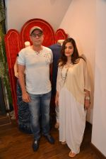Atul Agnihotri, Alvira Khan at Avinash Punjabi store launch in Bandra 190 on 8th April 2015 (130)_552665b5f2621.JPG