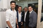 Mohit Marwah, Sanjay Kapoor at Avinash Punjabi store launch in Bandra 190 on 8th April 2015 (123)_552666e30f93b.JPG