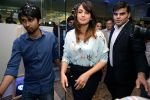 Huma Qureshi at Samsung mobile launch in Mumbai on 10th April 2015 (3)_5528f8dad7b10.JPG
