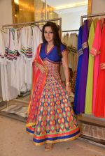 Kehkashan Patel at Abu Sandeep Spring Summer collection launch in kemps Corner, Mumbai on 10th April 2015 (8)_5528ff0e2214f.JPG