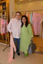 Sandeep Khosla at Abu Sandeep Spring Summer collection launch in kemps Corner, Mumbai on 10th April 2015 (10)_5528ff28e0b83.JPG
