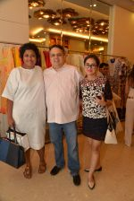 Sandeep Khosla at Abu Sandeep Spring Summer collection launch in kemps Corner, Mumbai on 10th April 2015 (11)_5528ff2a8d12b.JPG
