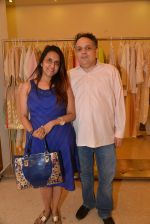 Sandeep Khosla at Abu Sandeep Spring Summer collection launch in kemps Corner, Mumbai on 10th April 2015 (55)_5528ff32b8ce7.JPG