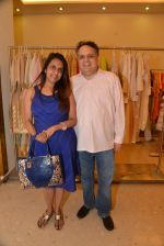 Sandeep Khosla at Abu Sandeep Spring Summer collection launch in kemps Corner, Mumbai on 10th April 2015 (56)_5528ff343356d.JPG
