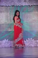 Bhagyashree on ramp for Beti show in J W Marriott on 12th April 2015 (139)_552b941de533d.JPG