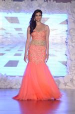 Daisy Shah on ramp for Beti show in J W Marriott on 12th April 2015 (160)_552b943f1e9f1.JPG