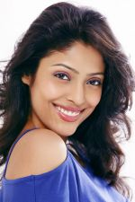 Megha Chatterjee Photo Shoot (4)_552b909956880.jpg