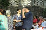 Rishi Kapoor, Neelam Kothari protests against BMC for giving Hawkers Zone in Pali Hill on 13th April 2015 (25)_552cea66841dd.JPG