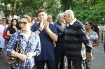 Rishi Kapoor, Neelam Kothari, Prem Chopra protests against BMC for giving Hawkers Zone in Pali Hill on 13th April 2015 (51)_552cea704f83c.JPG