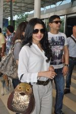 Bhagyashree depart to Goa for Planet Hollywood Launch in Mumbai Airport on 14th April 2015 (114)_552e4d79d7a20.JPG