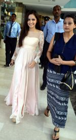 Shazahn Padamsee during the Launch of first Perfume JOEI at Madame showroom, Ambience Mall, gurgaon,Haryana on 14th April 2015 (3)_552e47eb11454.JPG